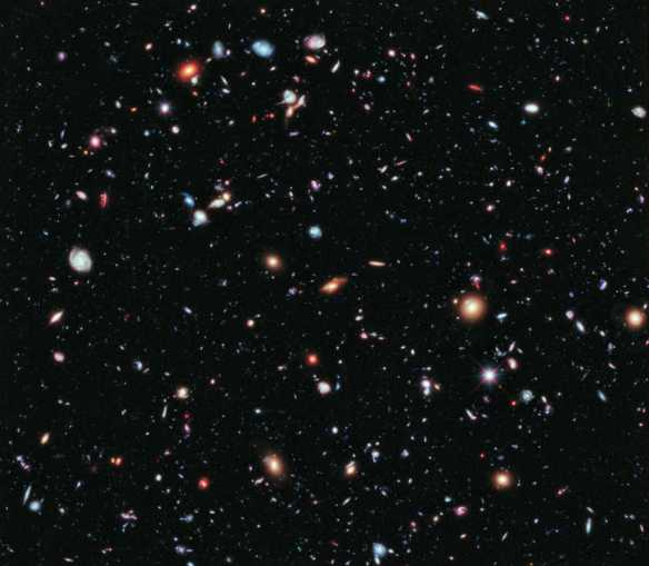 5,500 galaxies of Hubble eXtreme Deep Field - smallest red dots 13,000,000,000 light years away